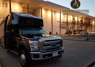 AET MiniBus 28 passenger serving Washington DC Monument Tours
