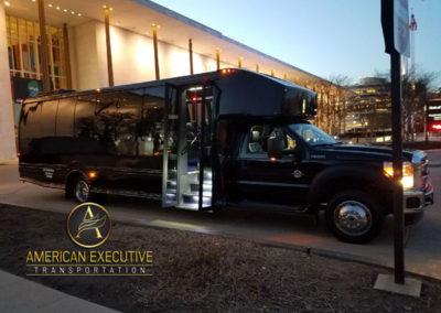 AET MiniBus 28 passenger serving Washington DC Tour